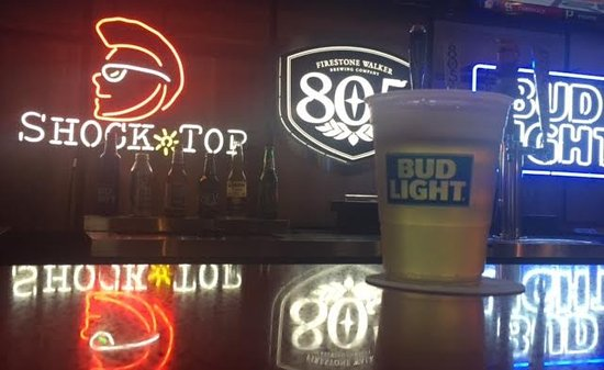 Modesto, Kalifornia: Now serving Beer, Wine and Frozen Blended drinks.