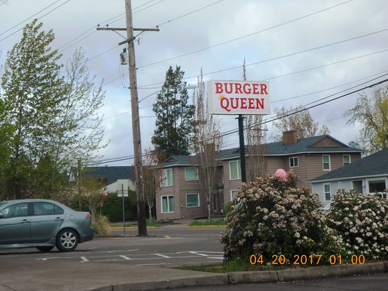 Albany, OR: Sign for Burger Queen