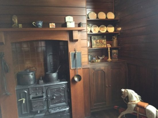 Katherine Mansfield House and Garden (Te Puakitanga) : kitchen