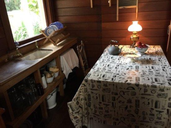 Katherine Mansfield House and Garden (Te Puakitanga) : family kitchen