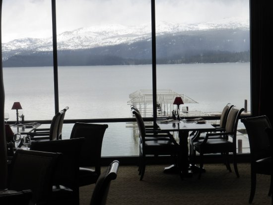 McCall, Айдахо: View to lake from the Narrows Grill Bar