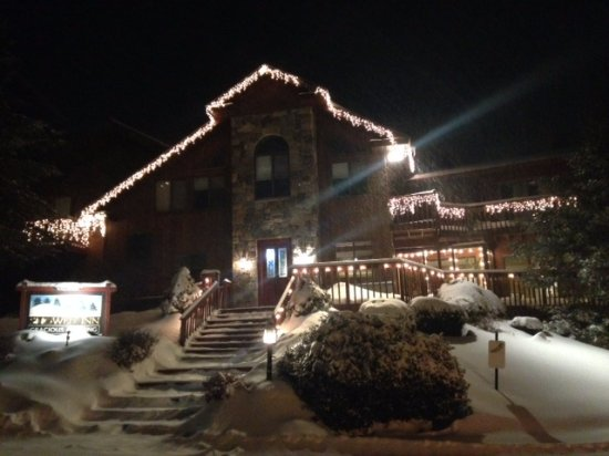 Snowed Inn: A Snowy Night in Killington
