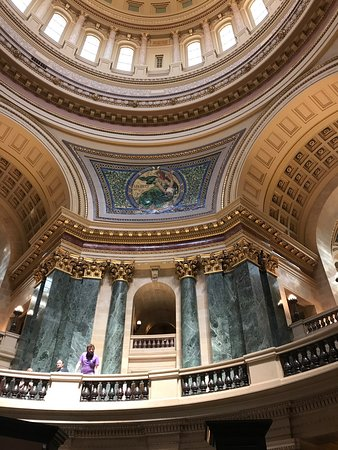 Wisconsin State Capitol: photo1.jpg