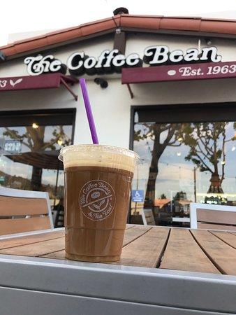 The Coffee Bean & Tea Leaf: photo0.jpg