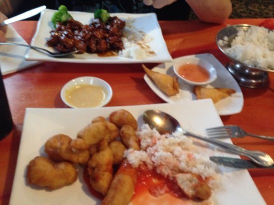 Front Royal, VA: Bourbon Chicken, Sweet and Sour Chicken, Crab Rangoons