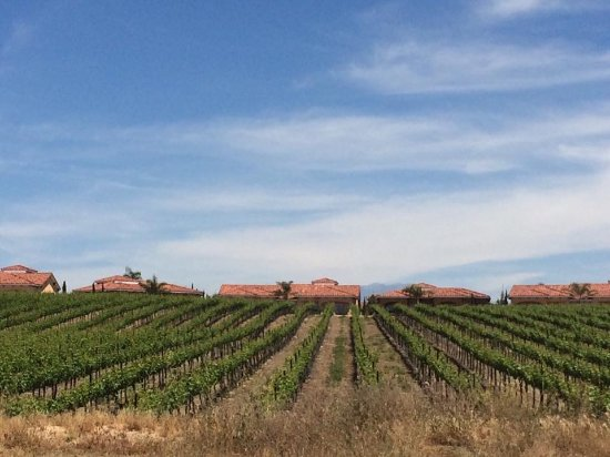 Temecula, Kalifornien: Driving up the hill