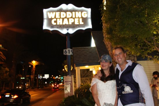Graceland Wedding Chapel Going To The And Were Gonna Get Married