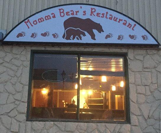 Edson, Канада: Momma Bear's Restaurant on Main Street