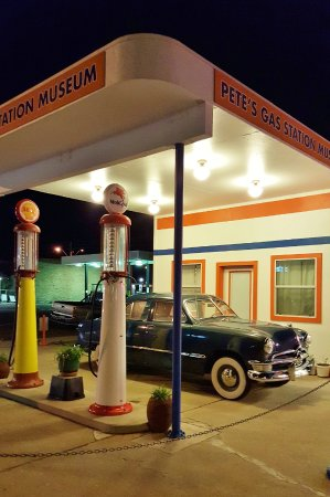 Pete's Rt 66 Gas Station Museum: Pete's Route 66 Gas Station Museum