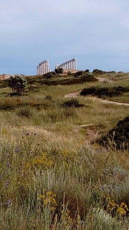 Sounio, Greece: Ο ναός φωτογραφημένος από τη μεριά της θάλασσας