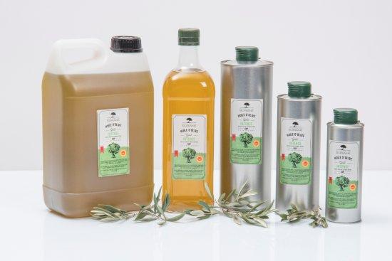 St Chamas, France: La gamme de nos huiles d'olive
