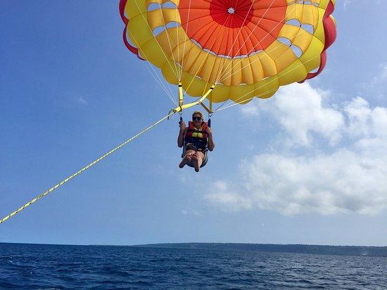Port Vila Parasailing: photo3.jpg