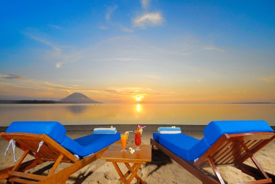 Siladen Resort & Spa: Siladen Sunset