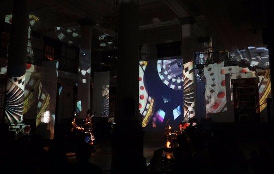 豊島ウサギニンゲン劇場, performing scene