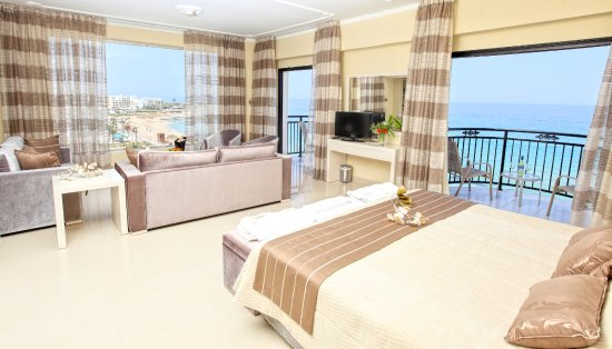 Constantinos the Great Beach Hotel: Presidential suite