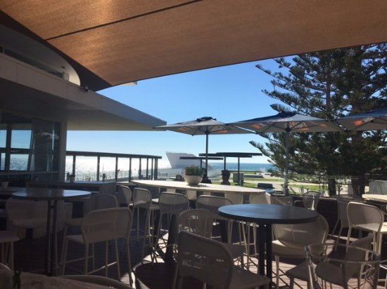 City Beach, Austrália: View from the alfresco area (blocked from the wind)