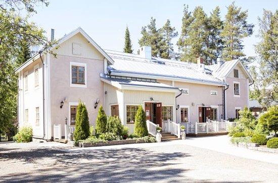 Seinajoki, Finlandiya: Kartanon etupiha