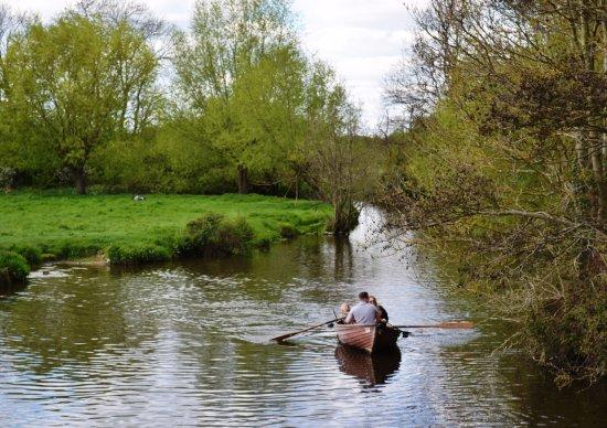 East Bergholt, UK: River