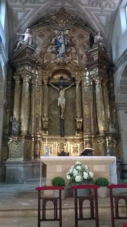 Iglesia de San Tirso El Real: Altar mayor