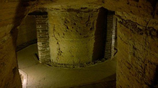 Camerano, Italy: particolare delle grotte