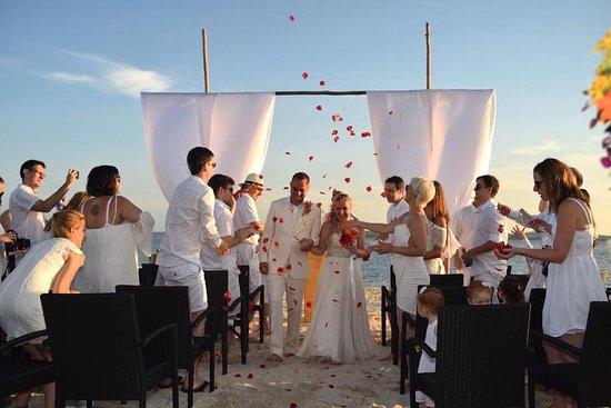 Pulau Joyo: Wedding set up with guests.