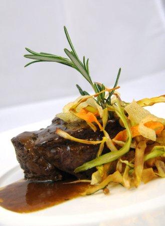 Huesca, Spain: Cocina tradicional con toques de vanguardia