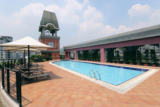Grand Victoria Hotel Swimming Pool