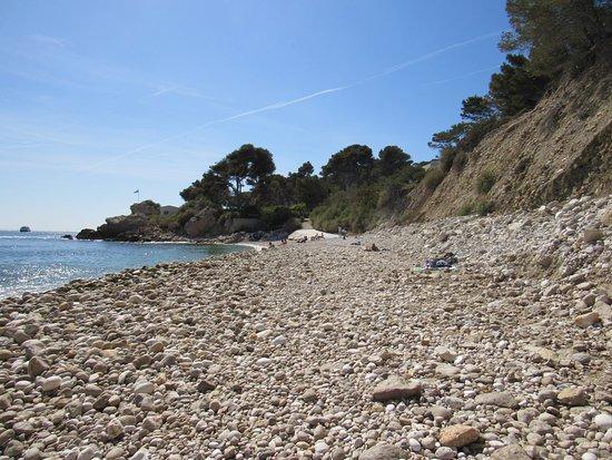 Ensues-la-Redonne, Francia: The Beach