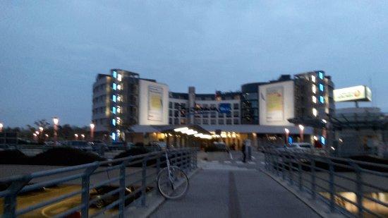 Au enansicht picture of radisson blu hotel hamburg for Airfield hotel ganderkesee
