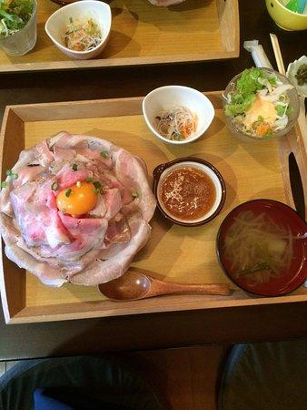Maebashi, Ιαπωνία: ローストポーク丼