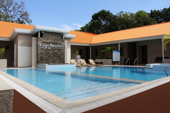 Swimming pool picture of court meridian hotel subic bay freeport zone tripadvisor for Subic resorts with swimming pool