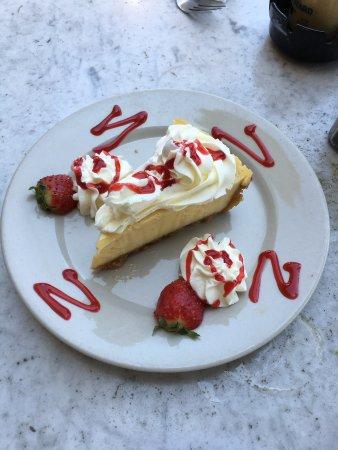 News Cafe: Key Lemon Pie
