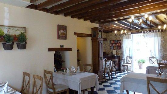 Fontaine-Chaalis, France : Auberge de Fontaine, Fontaine Chaalis, près de Senlis