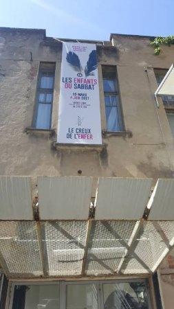 """Thiers, France: Avril 2017 : Creux de l'Enfer, ,Exposition """"Les Enfants du Sabbat 18"""""""