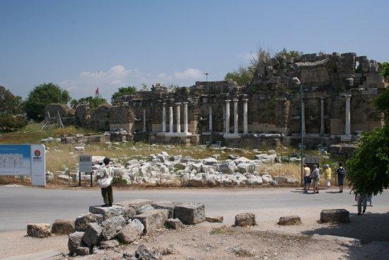 Side Nymphaeum - Photo de Monumental Fountain (Nymphaeum ...