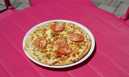 Badacsonytomaj, Hungría: Fatüzeléses kemencében készített pizza