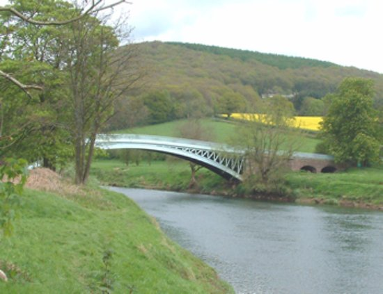 Tintern, UK: The nearby Bigwier Bridge