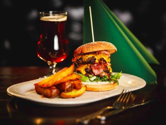 Kalajoki, Suomi: Double Cheese and Beef Burger