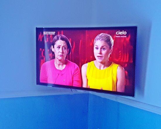 tv lcd 32 pollici - Picture of New Hotel Blu Eden, Praia A