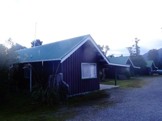 Lake Paringa Lodge Picture