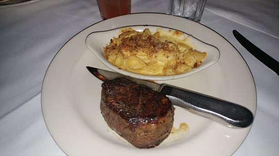 Cool River : Filet with macaroni and cheese