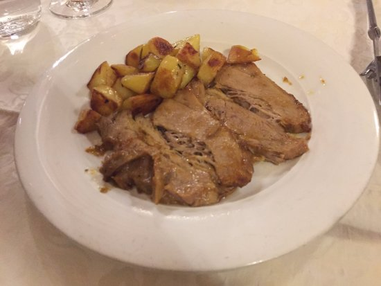 Al Duca: Punta di vitello with roasted potatoes