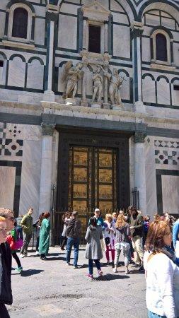 Photo of Church Cattedrale di Santa Maria del Fiore at Piazza Del Duomo, Firenze 50122, Italy