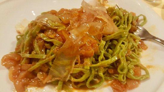 Tagliolini verdi con cipolla doc di Budrio e guanciale