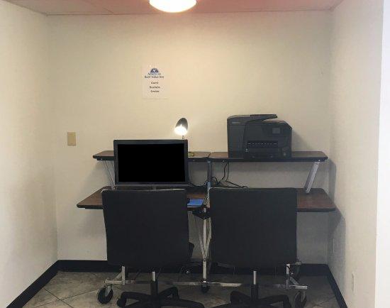 Monroe City, MO: Business Center
