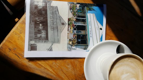 Prince Albert, Afrika Selatan: The old building and the renovation on the menu cover.