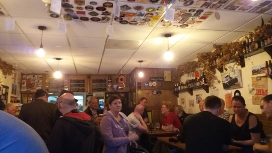 Whyteleafe, UK: Good atmosphere if your a beer drinker.