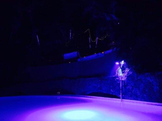 Club Cubana: pool