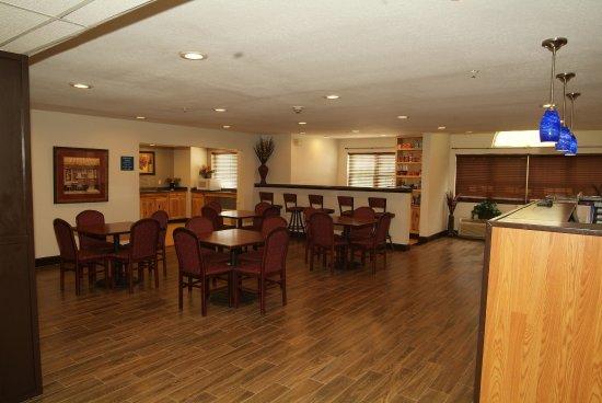 Expo Inn: Breakfast area