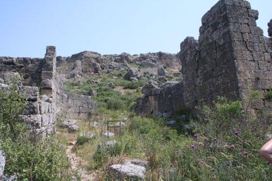 Serik, Turkey: Main gate in the classic horseshoe shape